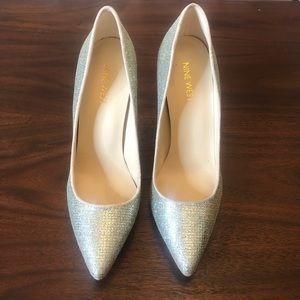 Nine West Silver Sparkle/Glitter Heels Size 7